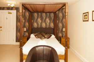 Four poster bed in Lydford Tor